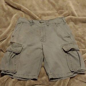 Men's cargo shorts size 33